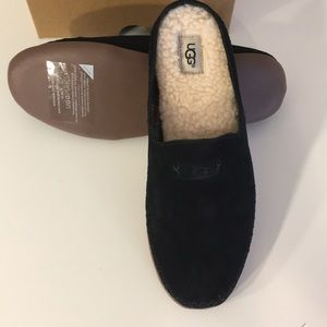 UGG Shoes - ❤️New Ugg Tamara Black Suede slippers slip on ❤️